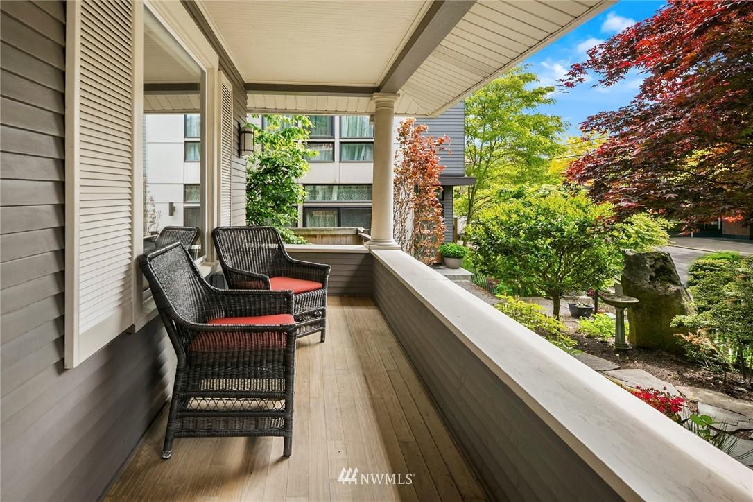 Sold Property   1918 10th Avenue W Seattle, WA 98119 2
