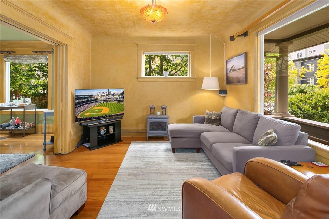 Sold Property   1918 10th Avenue W Seattle, WA 98119 4