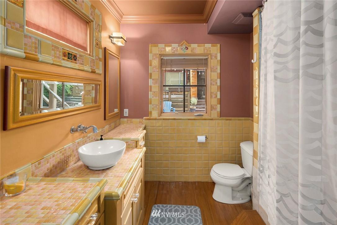 Sold Property   1918 10th Avenue W Seattle, WA 98119 12