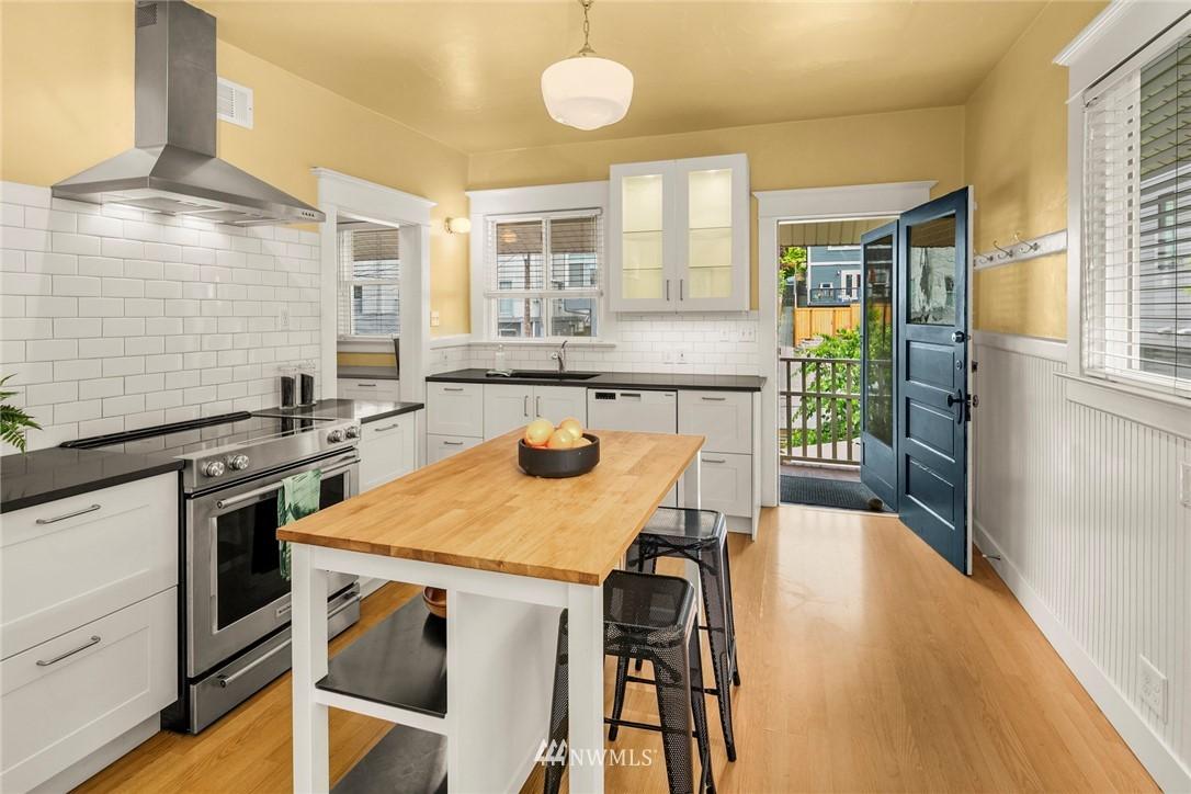 Sold Property   1918 10th Avenue W Seattle, WA 98119 17