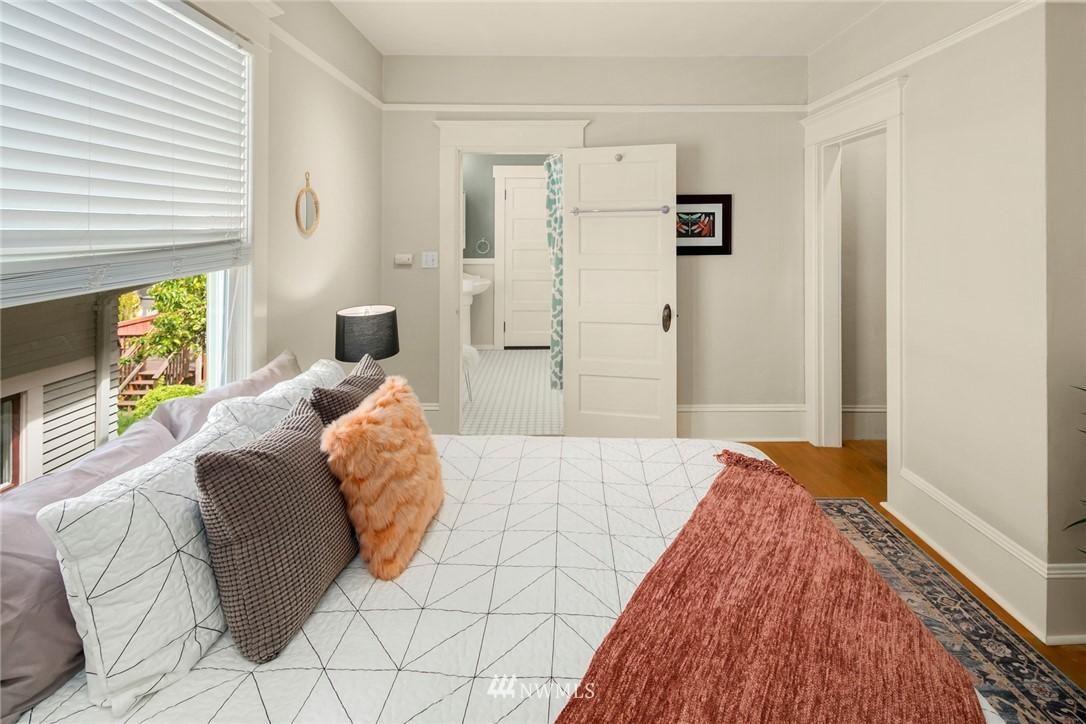 Sold Property   1918 10th Avenue W Seattle, WA 98119 20