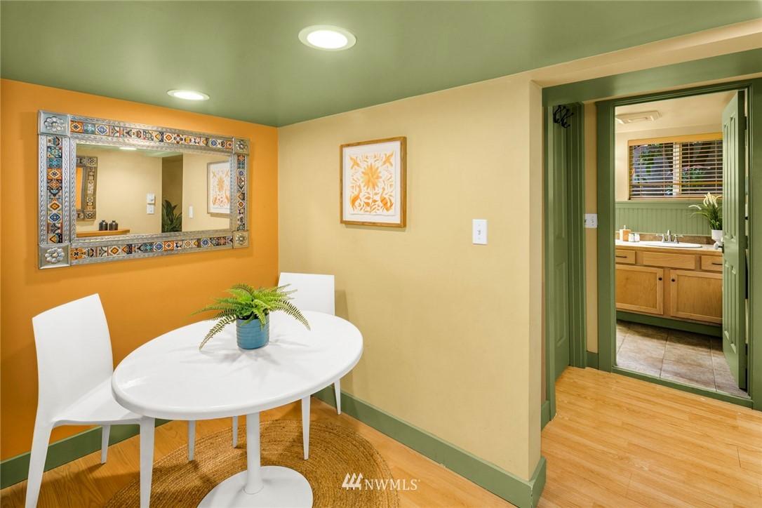 Sold Property   1918 10th Avenue W Seattle, WA 98119 25