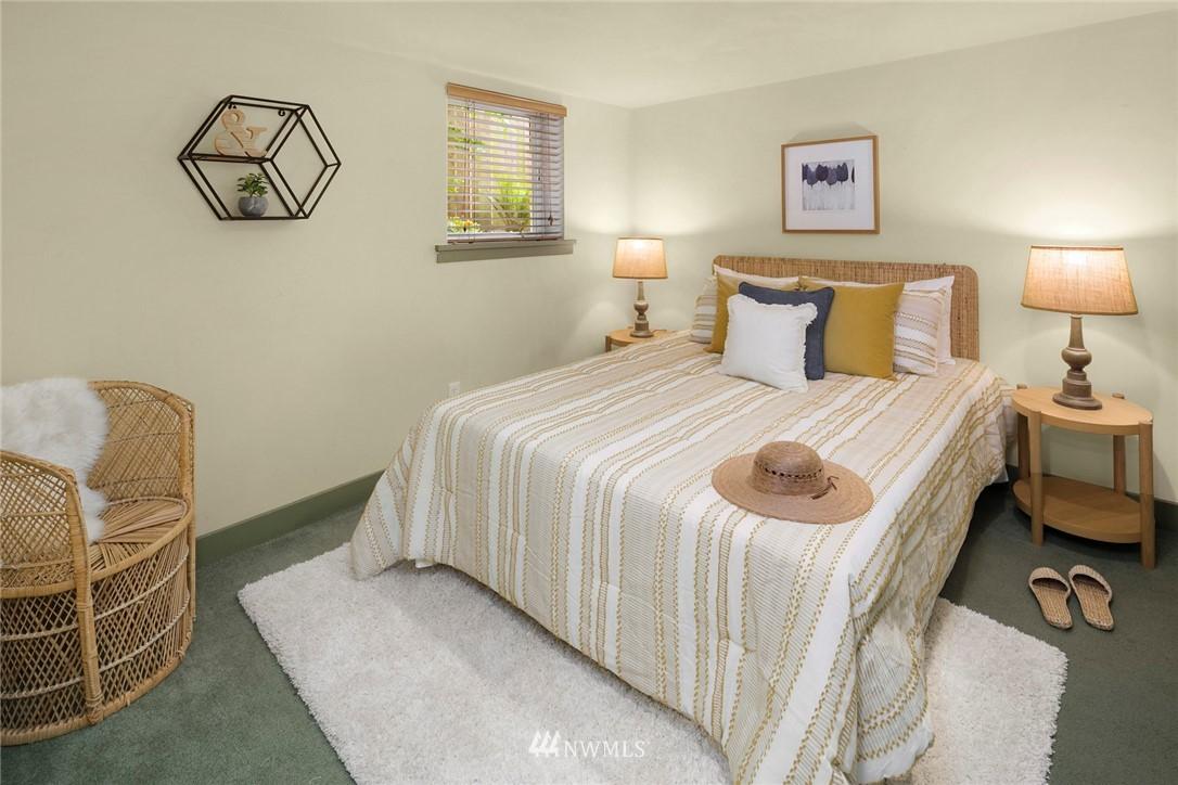 Sold Property   1918 10th Avenue W Seattle, WA 98119 30