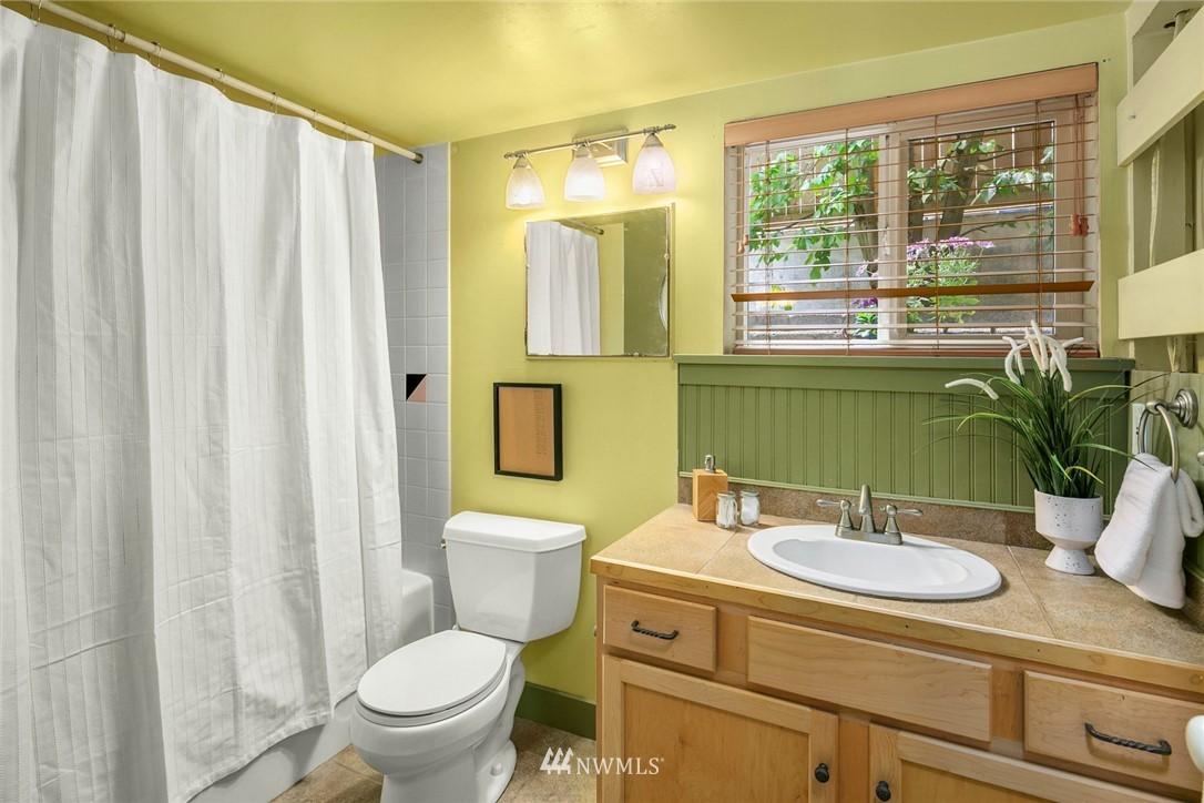 Sold Property   1918 10th Avenue W Seattle, WA 98119 31