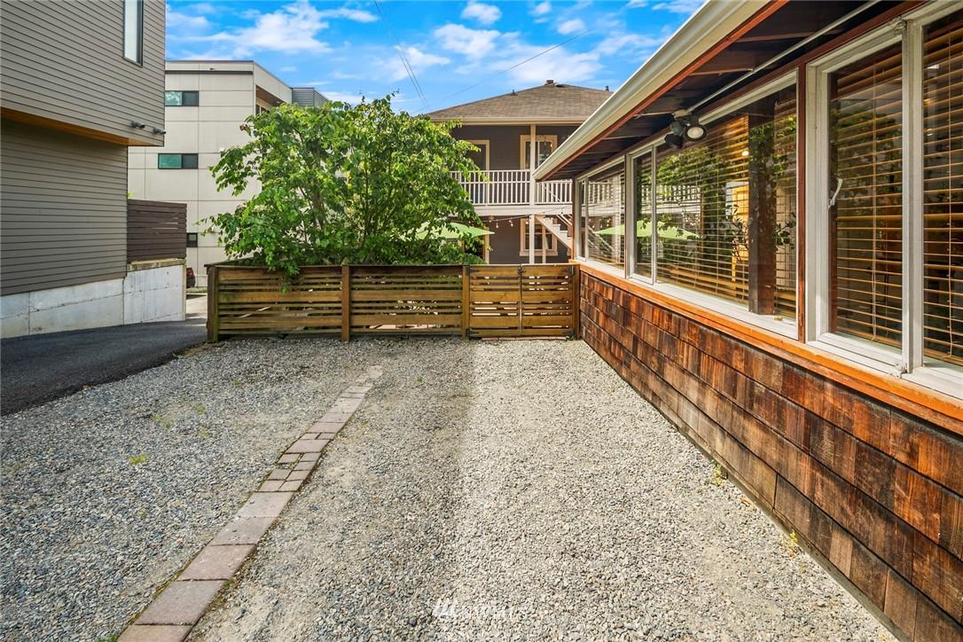 Sold Property   1918 10th Avenue W Seattle, WA 98119 38