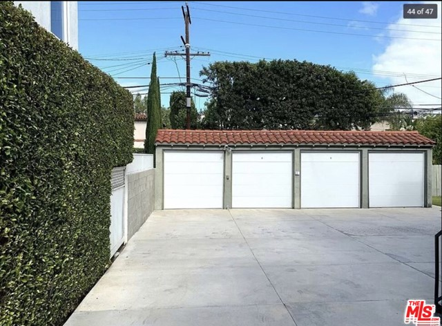 Closed | 244 S Spalding Drive Beverly Hills, CA 90212 14