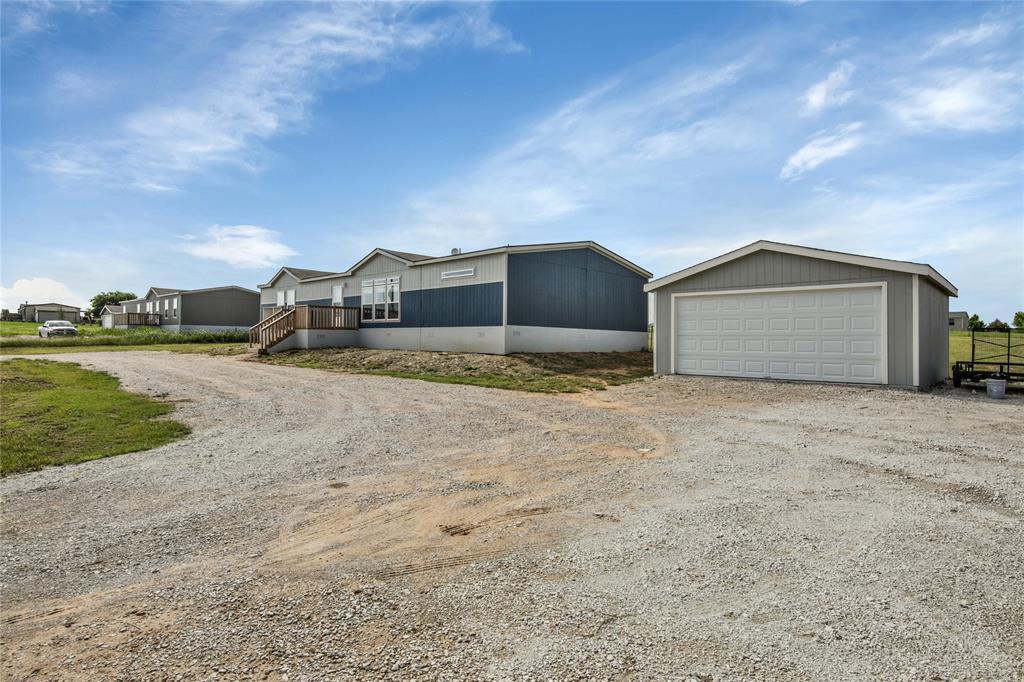 Pending | 1106 Meadowlark Drive Rhome, Texas 76078 1