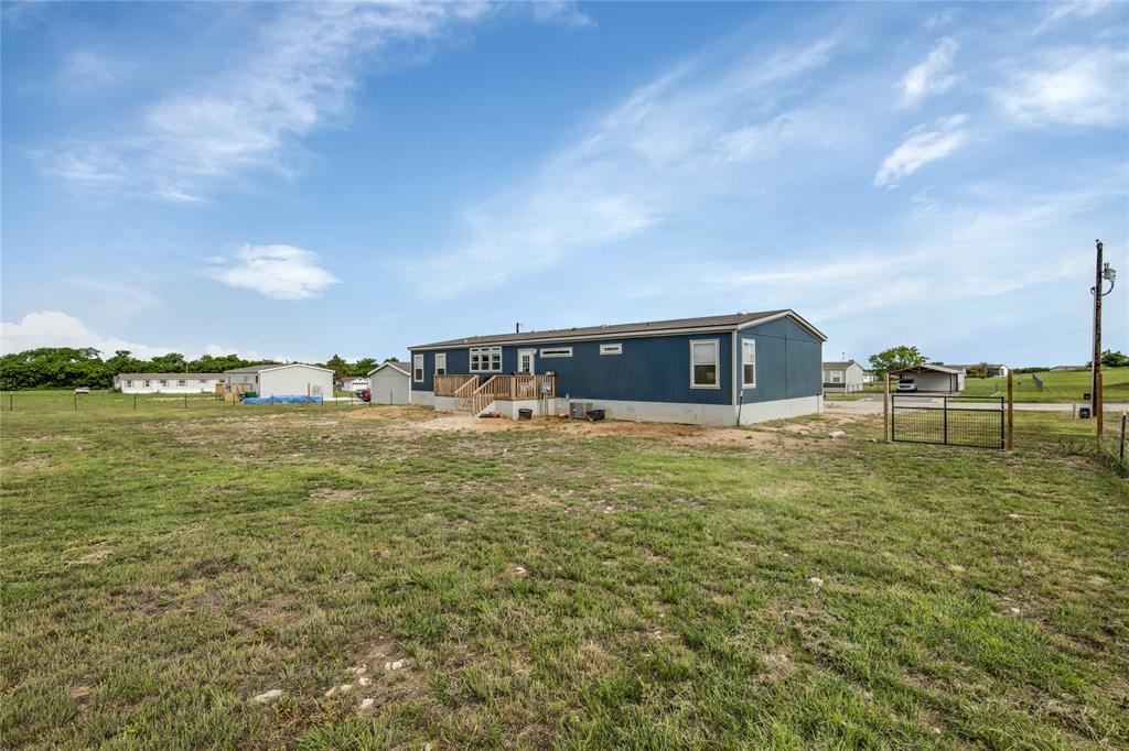 Pending | 1106 Meadowlark Drive Rhome, Texas 76078 2