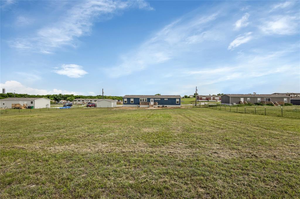 Pending | 1106 Meadowlark Drive Rhome, Texas 76078 3