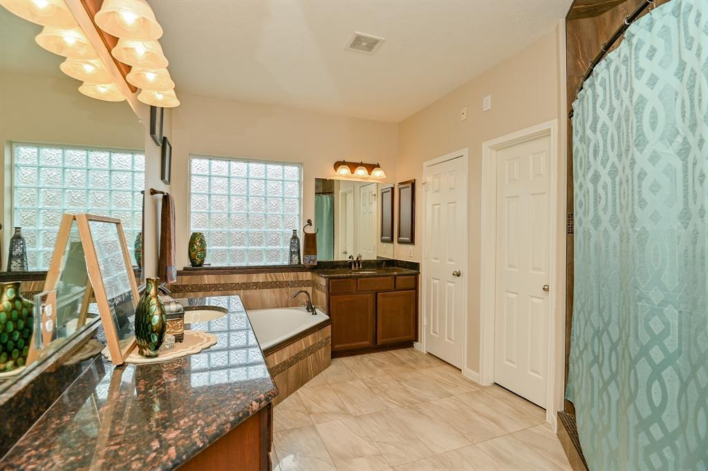 Off Market | 13602 Wild Lilac Court Pearland, Texas 77584 15