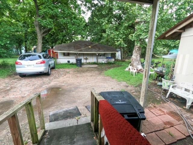 Pending | 2305 Melbourne Street Houston, Texas 77026 3