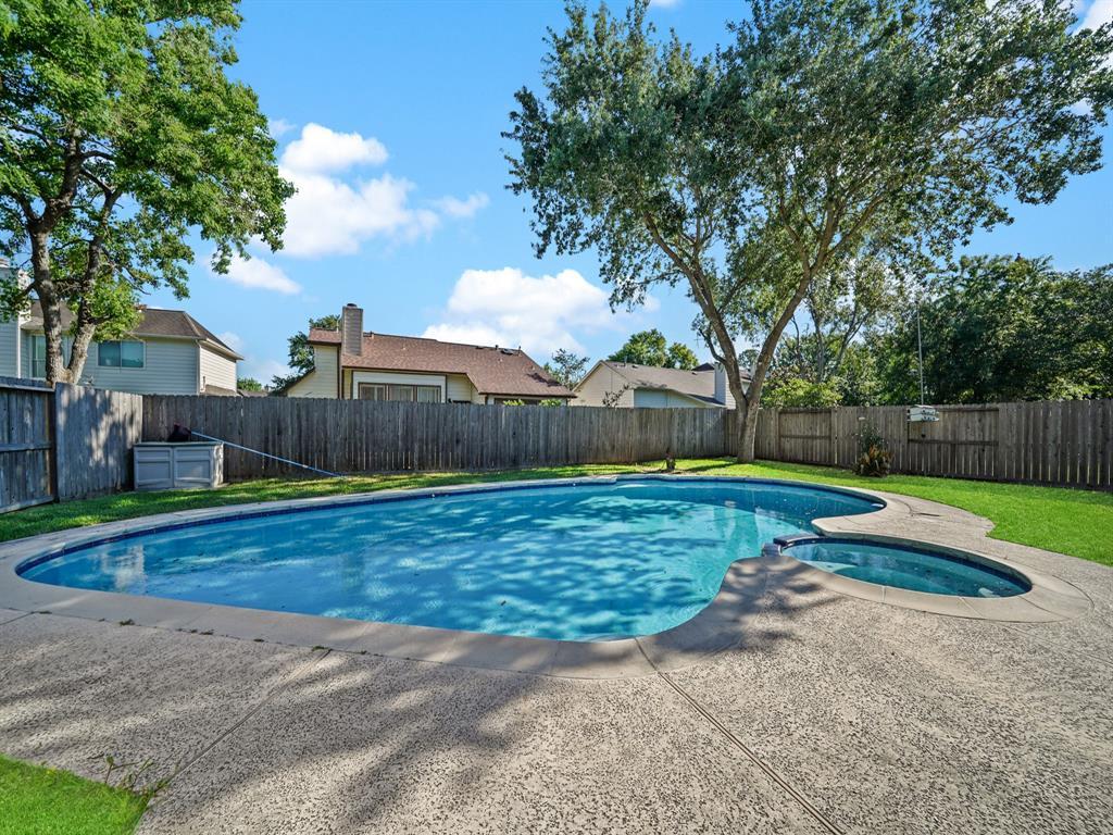 Pending | 3230 Lakefield Way Sugar Land, Texas 77479 38
