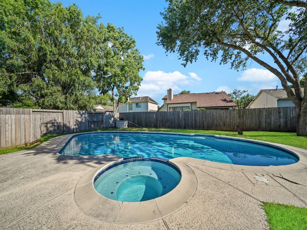Pending | 3230 Lakefield Way Sugar Land, Texas 77479 40