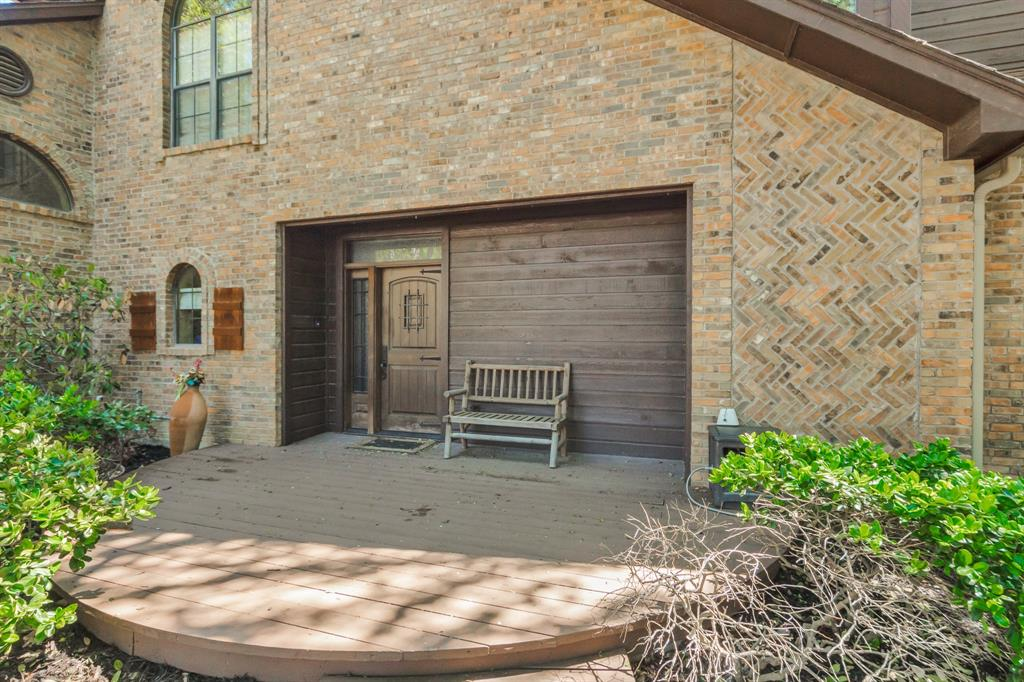 Pending   2701 Wooded Trail Court Grapevine, Texas 76051 2