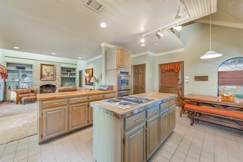 Pending   2701 Wooded Trail Court Grapevine, Texas 76051 6