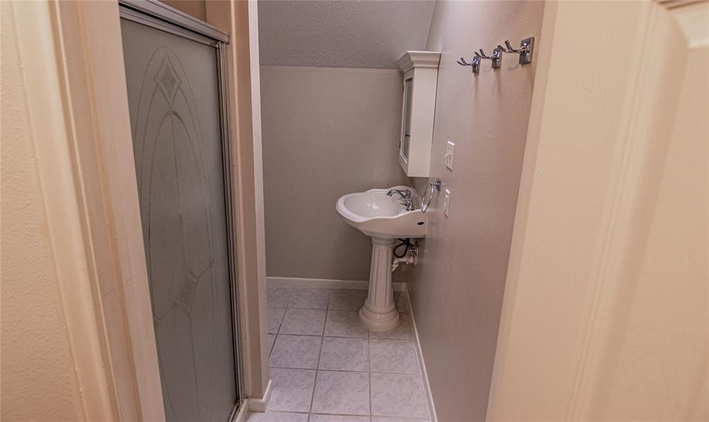La Grange Willman Estate. House & Acreage-Paradise Found!   2040 W Guenther Lane La Grange, Texas 78945 20