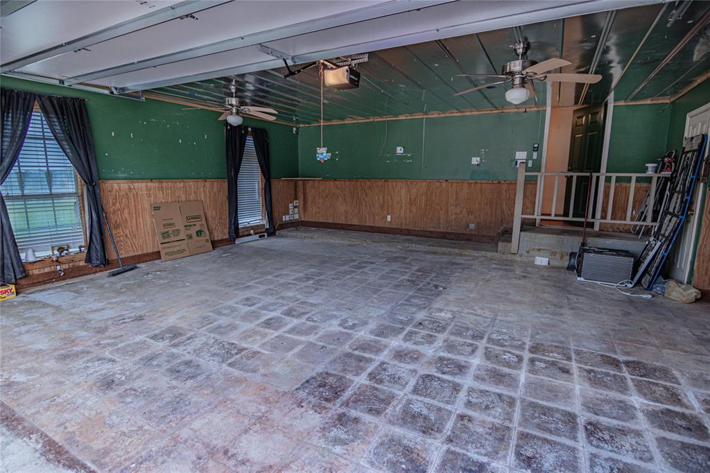 La Grange Willman Estate. House & Acreage-Paradise Found!   2040 W Guenther Lane La Grange, Texas 78945 23