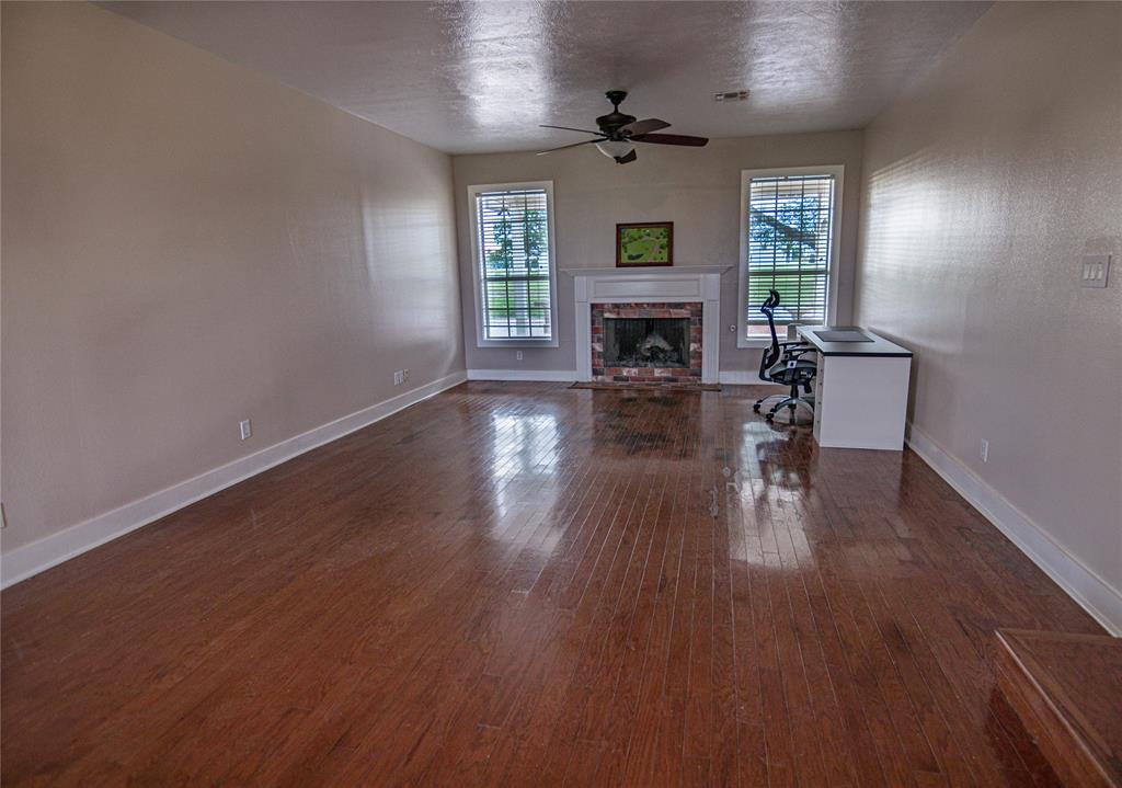 La Grange Willman Estate. House & Acreage-Paradise Found!   2040 W Guenther Lane La Grange, Texas 78945 6