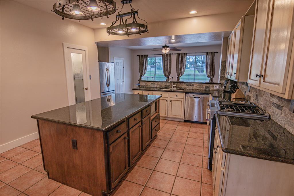 La Grange Willman Estate. House & Acreage-Paradise Found!   2040 W Guenther Lane La Grange, Texas 78945 7
