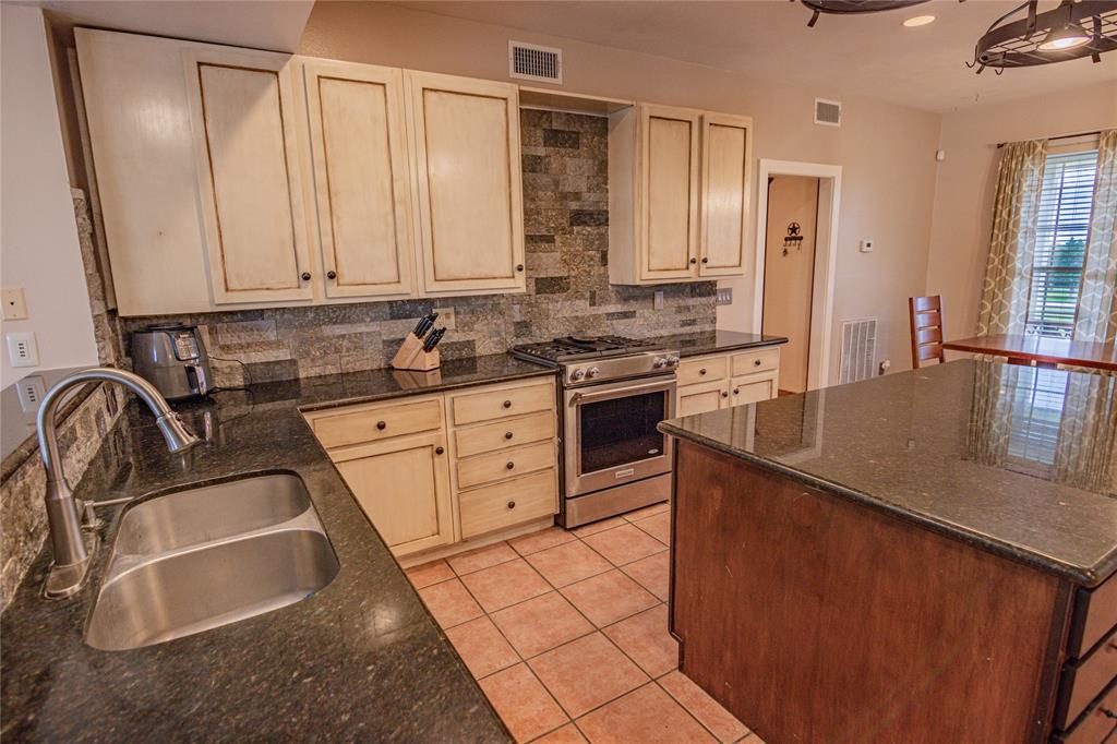La Grange Willman Estate. House & Acreage-Paradise Found!   2040 W Guenther Lane La Grange, Texas 78945 8