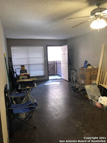 Pending   3243 Nacogdoches Rd #101 San Antonio, TX 78217 9
