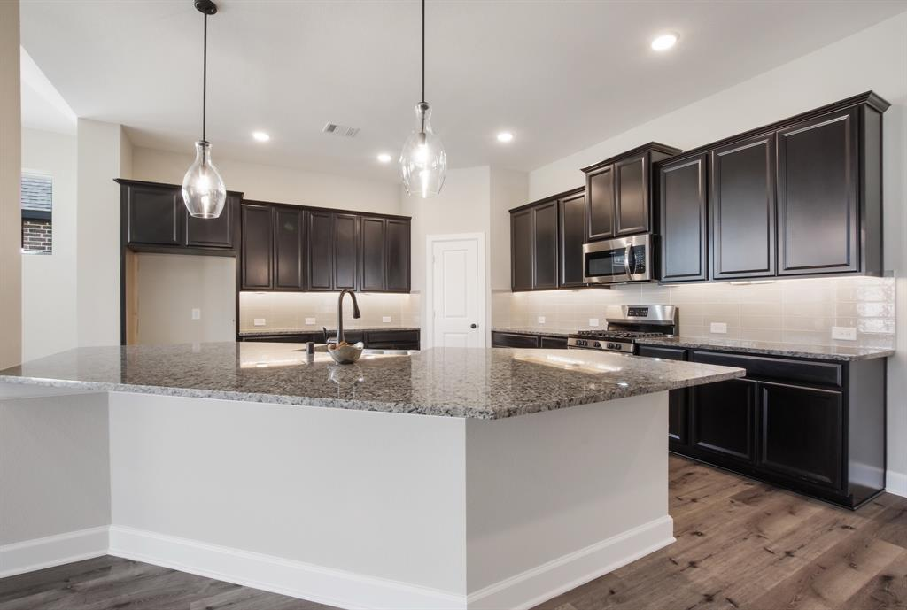 Active | 6603 Redwing Court Katy, Texas 77493 9