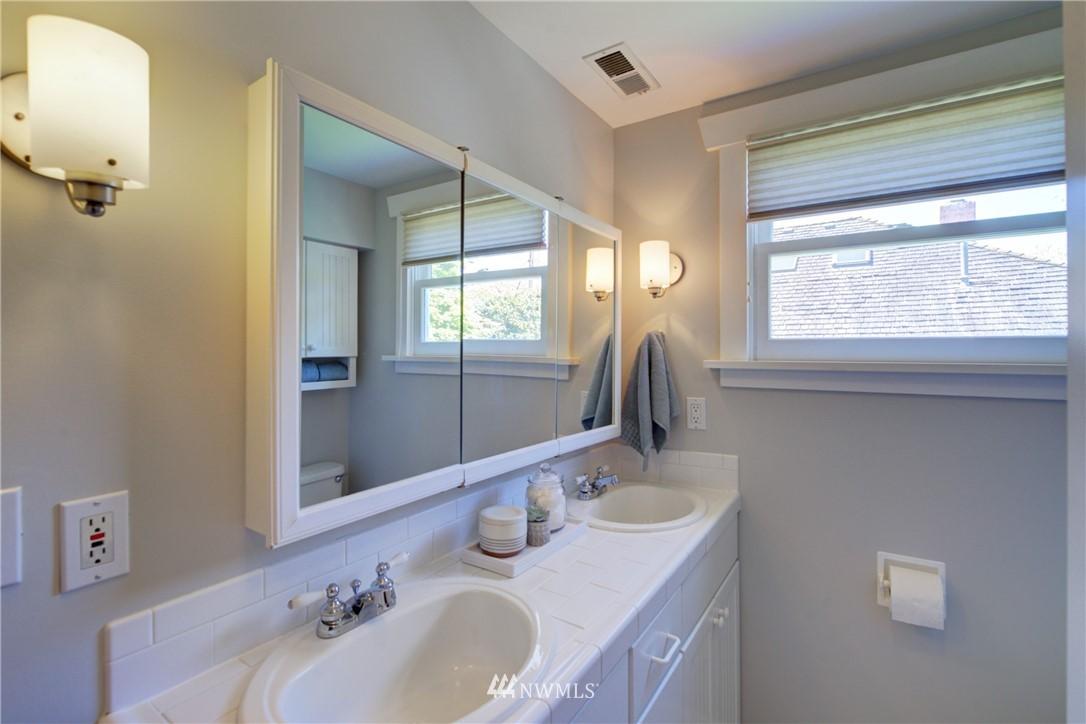 Sold Property | 1427 N 47th Street Seattle, WA 98103 16