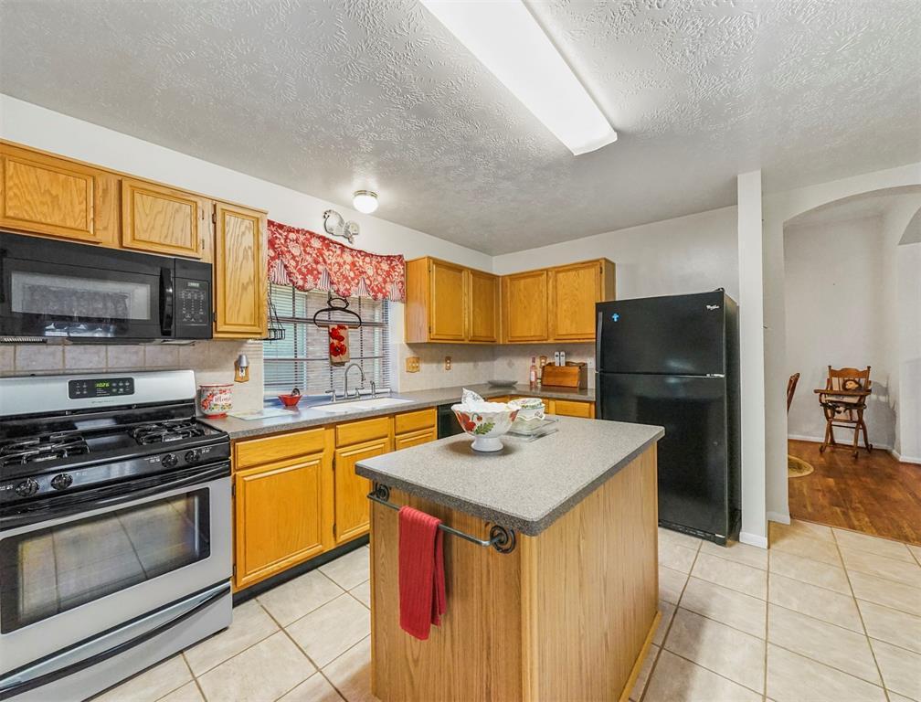 Pending | 15138 Red Cedar Cove Lane Cypress, Texas 77433 10