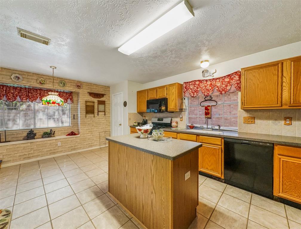 Pending | 15138 Red Cedar Cove Lane Cypress, Texas 77433 9
