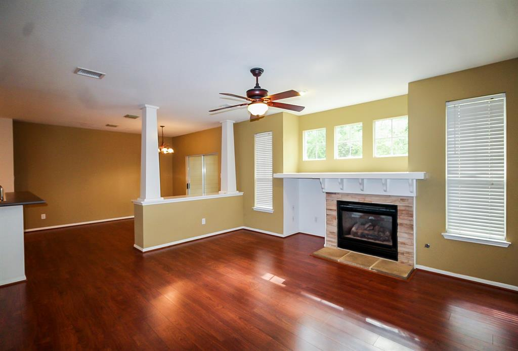 Active | 52 Scarlet Woods Court The Woodlands, Texas 77380 7