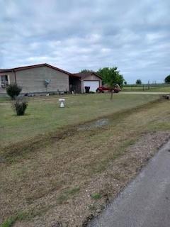 Pending | 1106 Spring Flower Drive Krum, Texas 76249 13