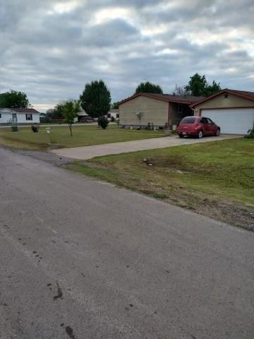 Pending | 1106 Spring Flower Drive Krum, Texas 76249 14