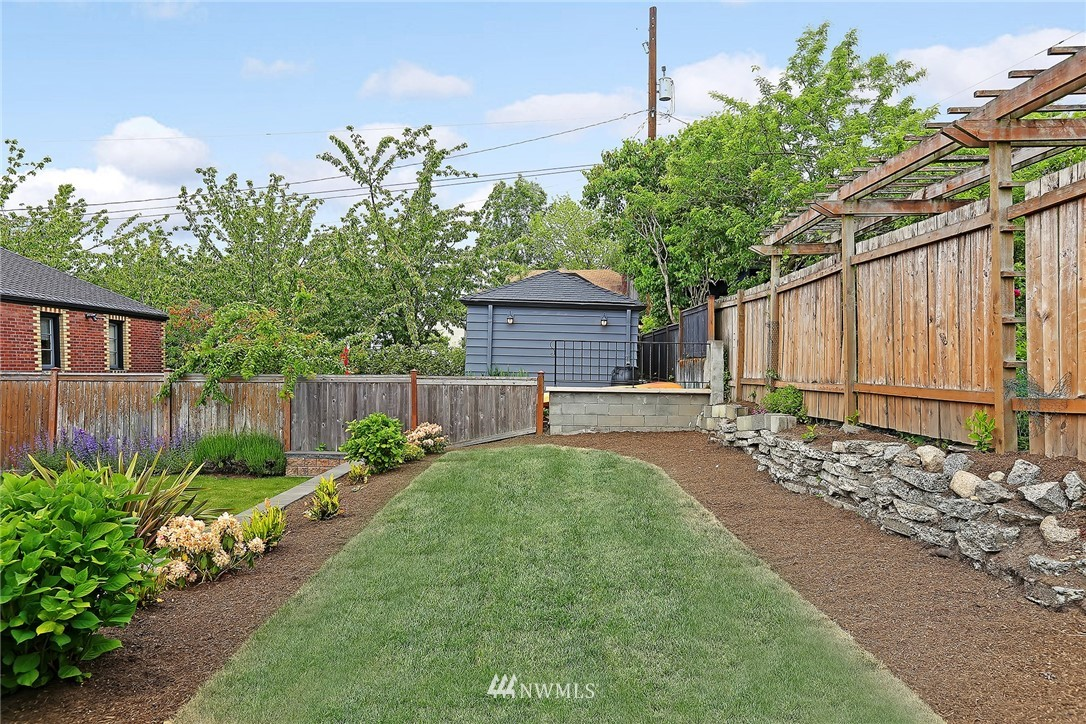 Sold Property | 7354 12th Avenue NW Seattle, WA 98117 22