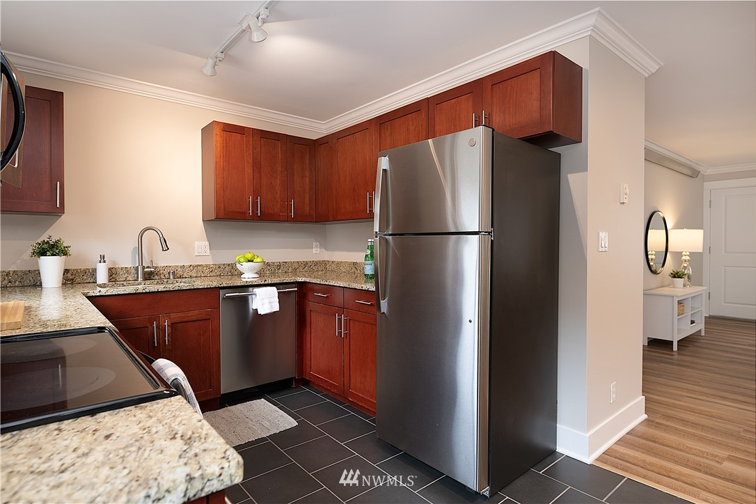 Sold Property | 1430 NW 59th Street #302 Seattle, WA 98107 5