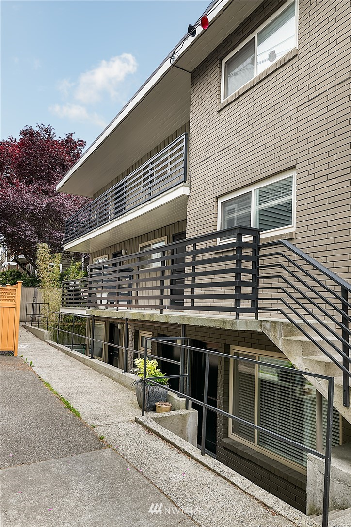Sold Property | 1430 NW 59th Street #302 Seattle, WA 98107 16