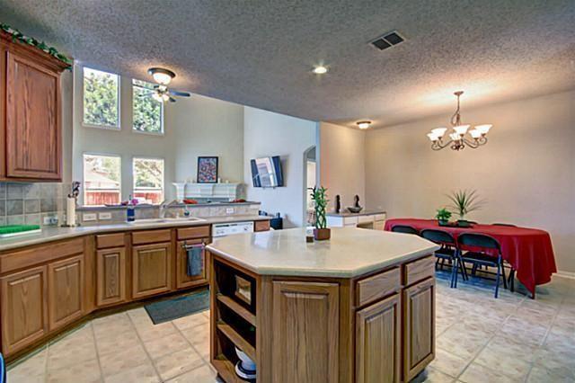 Active   10760 Blackberry Lane Frisco, Texas 75033 9