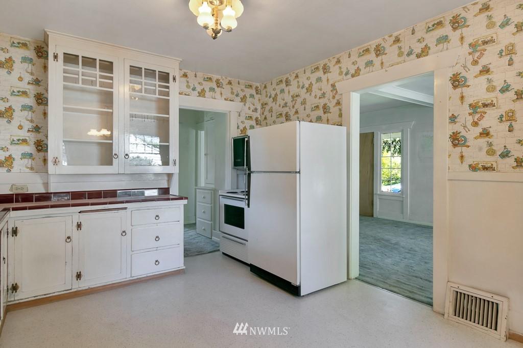 Sold Property | 8438 12th Avenue SW Seattle, WA 98106 8