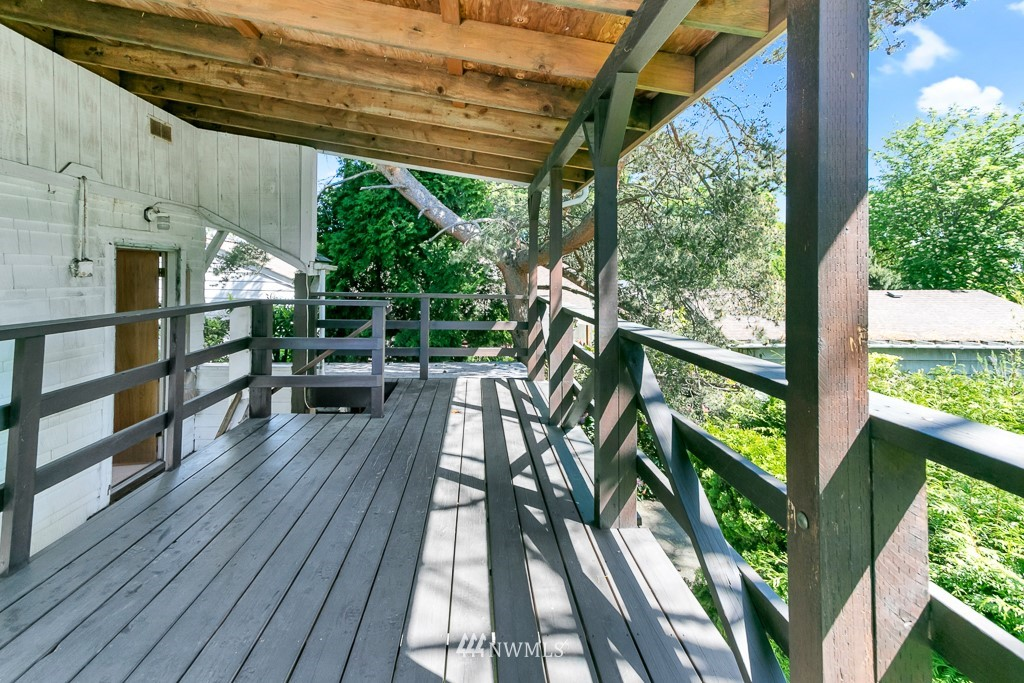 Sold Property | 8438 12th Avenue SW Seattle, WA 98106 15
