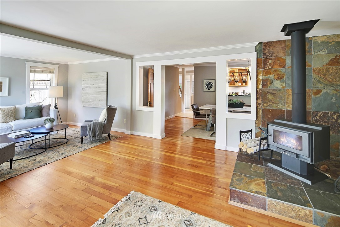 Sold Property   912 NW 83rd Street Seattle, WA 98117 3