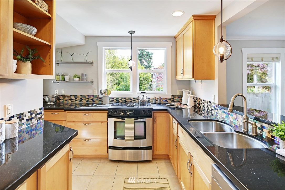 Sold Property   912 NW 83rd Street Seattle, WA 98117 6