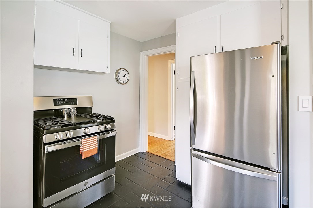 Sold Property   8027 12th Avenue NW Seattle, WA 98117 6