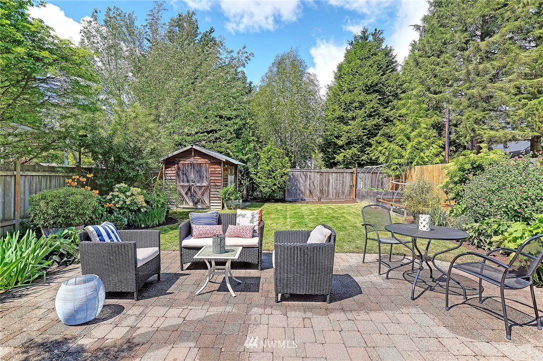 Sold Property   8027 12th Avenue NW Seattle, WA 98117 15