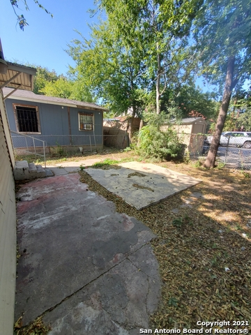 Active Option | 309 MONTEZUMA ST San Antonio, TX 78207 19