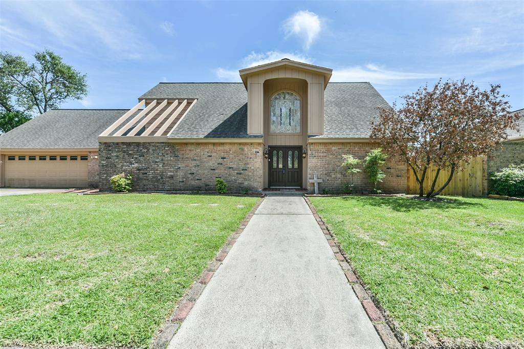 Pending | 1513 22nd Avenue N Texas City, Texas 77590 2