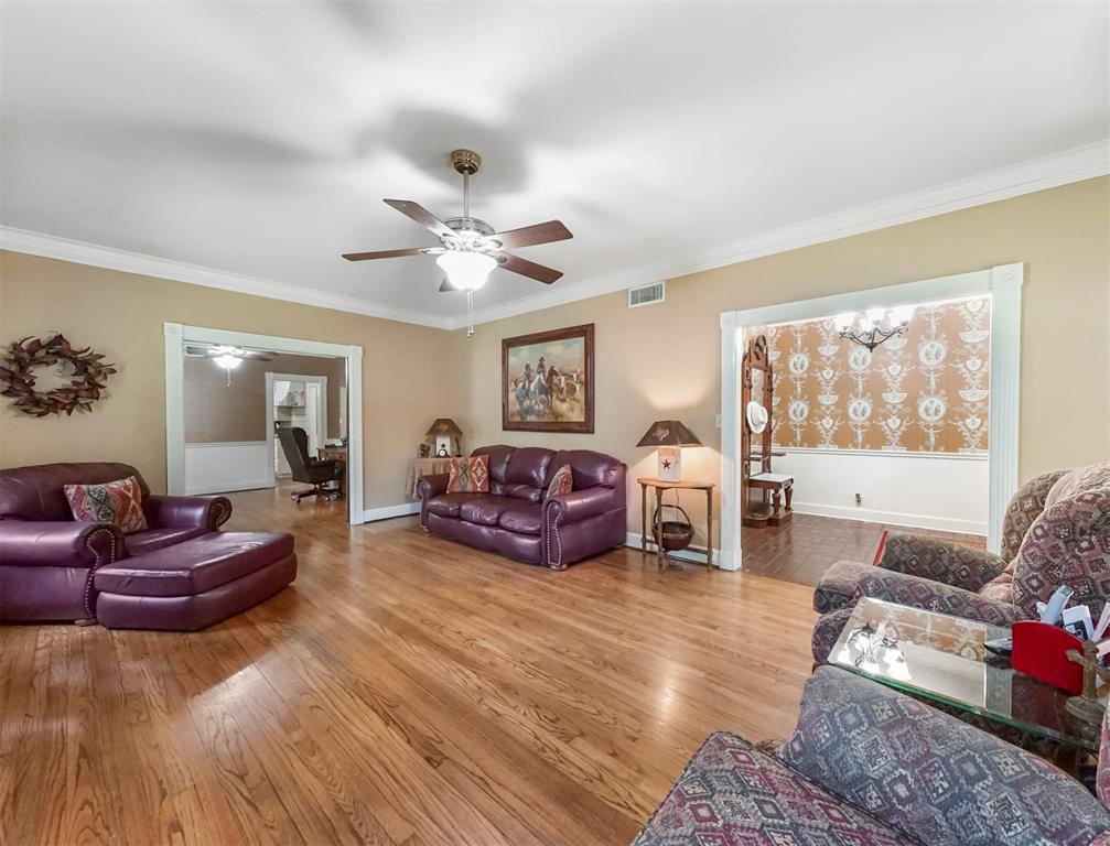 Off Market | 2315 Avenue L Bay City, Texas 77414 3