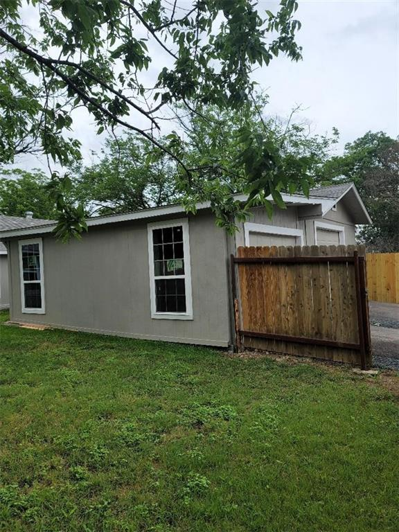 Active   208 W 24th Street Georgetown, TX 78626 11