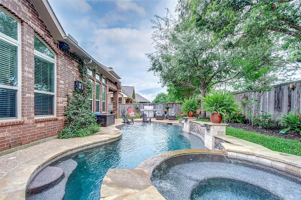 Off Market   211 N Vershire Circle Magnolia, Texas 77354 49