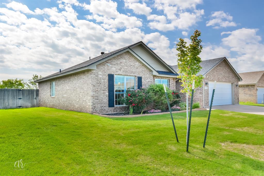 Pending | 5534 Cinderella Lane Abilene, Texas 79602 2