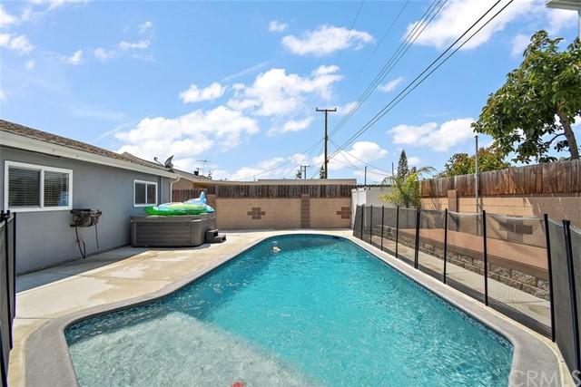 Pending | 12629 Stillman Street Lakewood, CA 90715 3