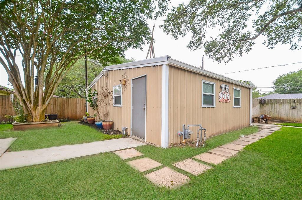 Pending | 1209 Klare Avenue Rosenberg, Texas 77471 24